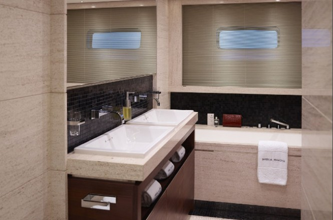 Motor yacht Imperial Princess - Aft VIP Stateroom - Bathroom