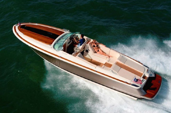 New 2013 Corsair 32 yacht tender by Chris-Craft