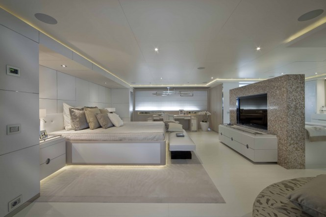 Superyacht DARLINGS DANAMA - Owner's Suite