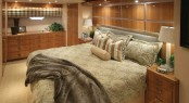 Superyacht Hatteras 77 Covertible - Master stateroom