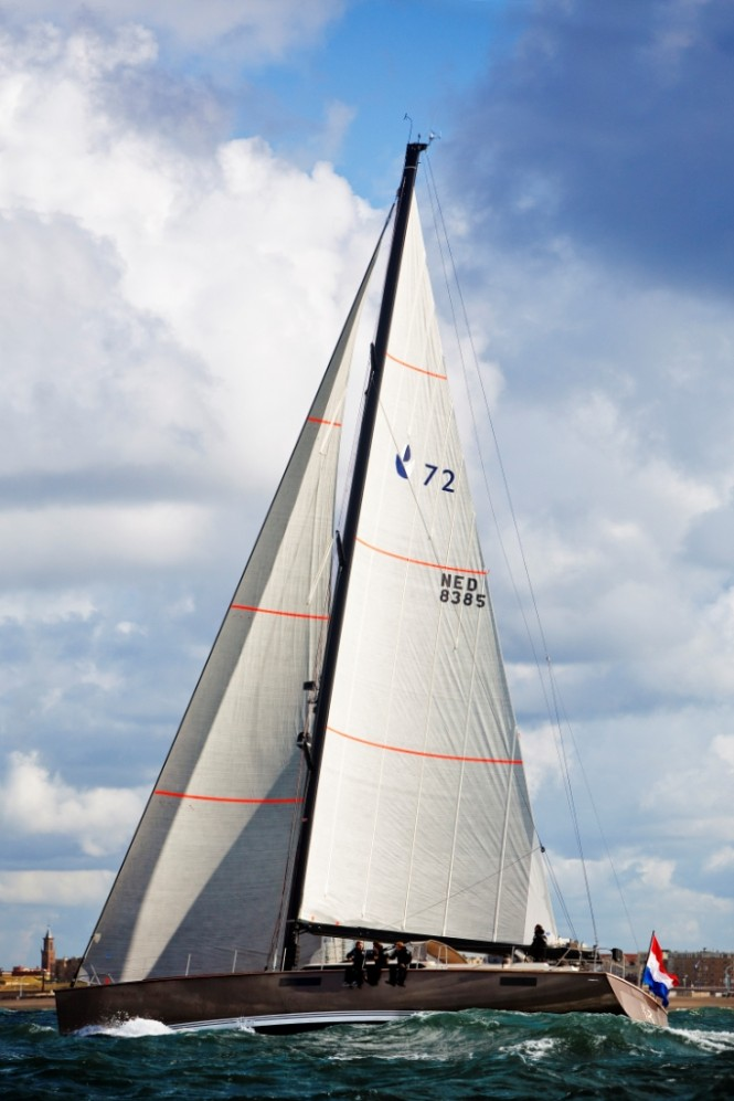22m sailing yacht Contest 72CS under sail