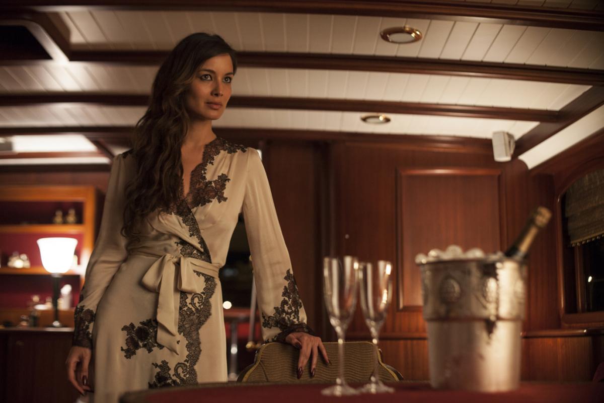 Berenice-Marlohe-James-Bond-Skyfall-%C2%