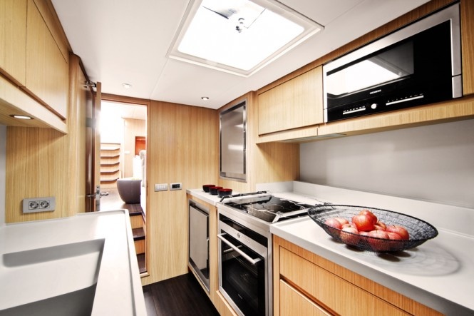 Contest 72CS yacht - Galley