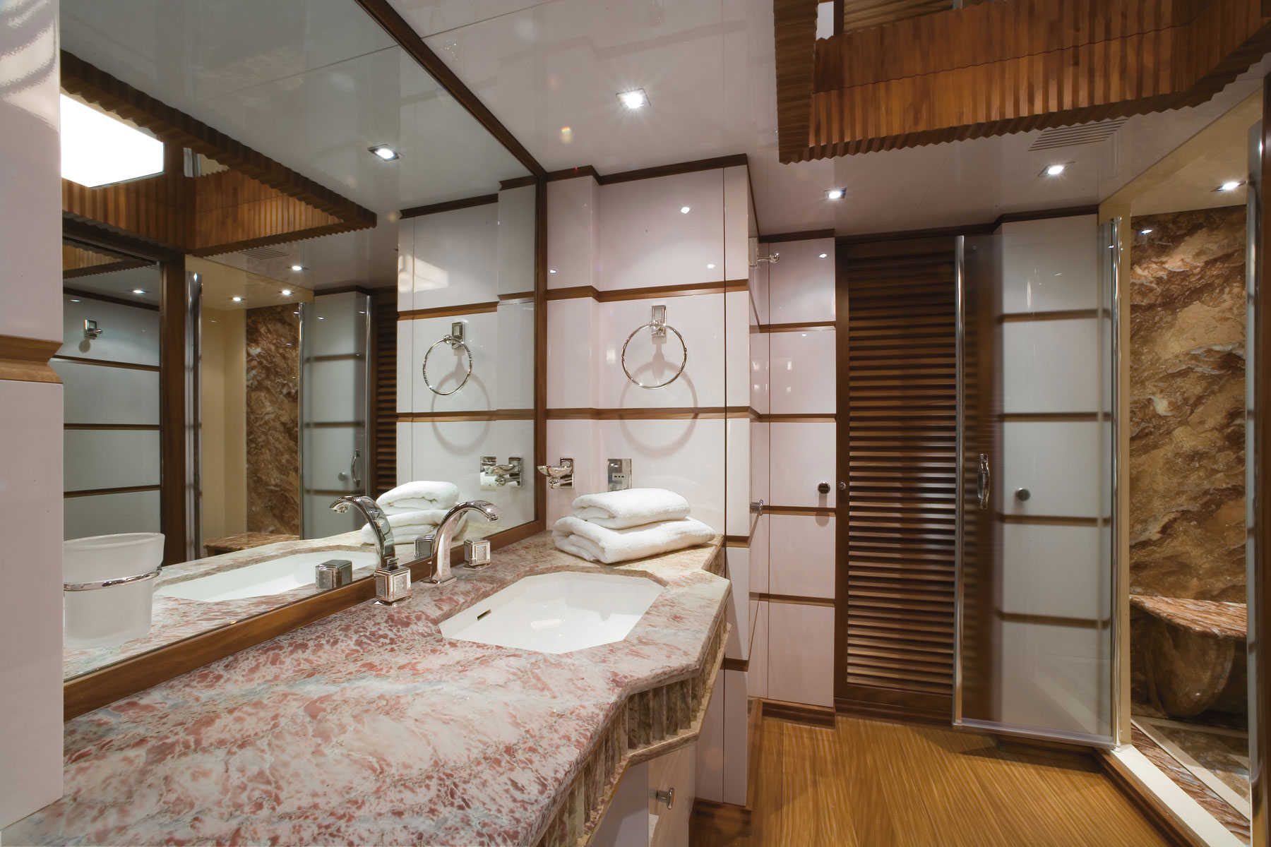 en suite bathroom aboard princess iolanthe yacht photo courtesy of mondo marine yacht. Black Bedroom Furniture Sets. Home Design Ideas