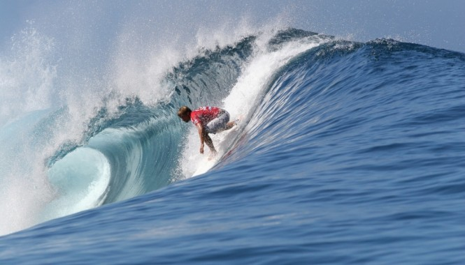 French Polynesia Surfing - Image by Surfing Atlas
