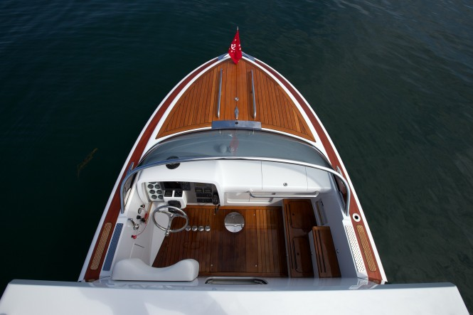 Helm from Above - Hodgdon Hull 413 Yacht Tender
