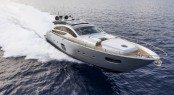 Luxury yacht Pershing 82' running
