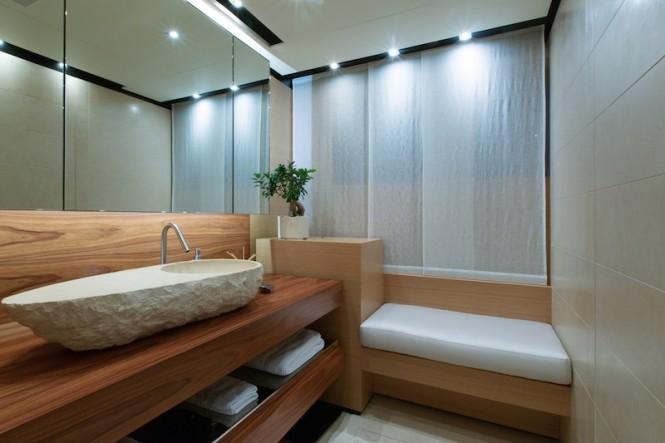 MasterBathroom- PAPI DU PAPI yacht - Photo Credits @ Marc Paris
