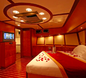 """""""Trip of a lifetime"""" or cruising Turkey aboard charter yacht SERENITY 86"""