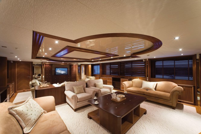 Salon aboard Princess Iolanthe yacht - Image courtesy of Mondo Marine