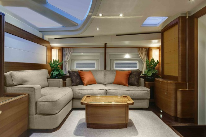 Superyacht Antares III - Lower Salon