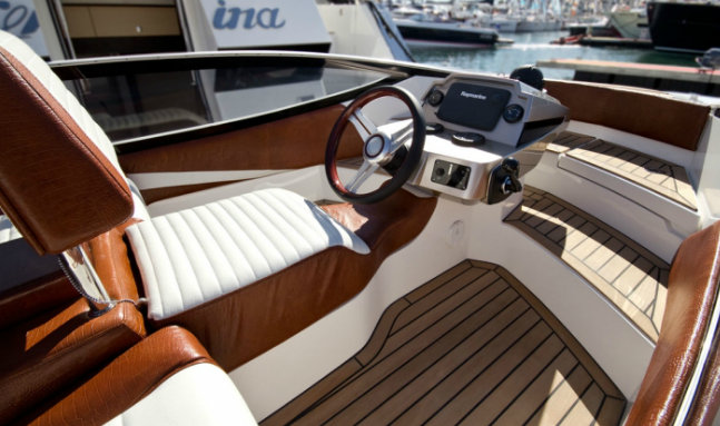The splendid Baby Crystal custom yacht tender by Galeon