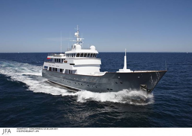 43m expedition yacht Axantha II - front view
