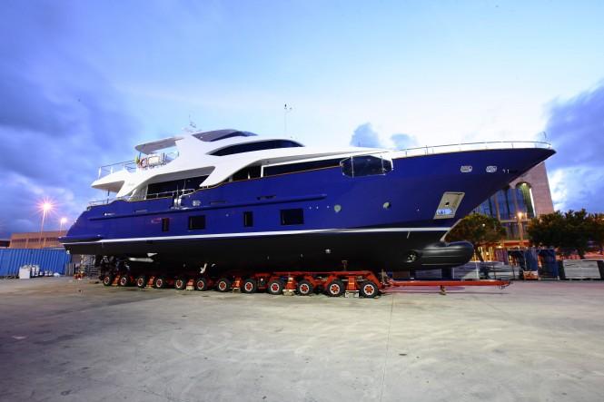 Delfino 93 motor yacht ZAPHIRA