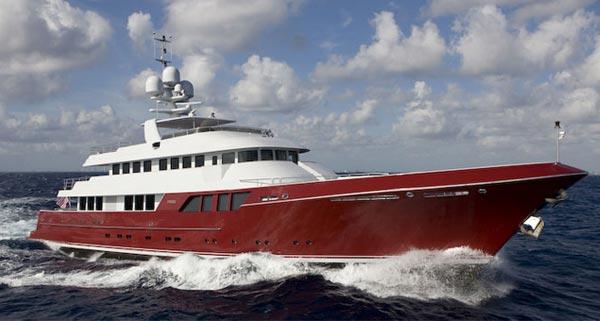 Luxury motor yacht Mazu