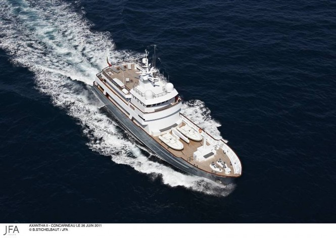 Luxury yacht Axantha II - view from above
