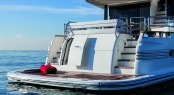 Luxury yacht Magellano 76 Bathing Platform