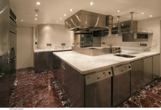 Luxury yacht Mazu - Galley