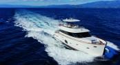 Motor Yacht Magellano 76 running