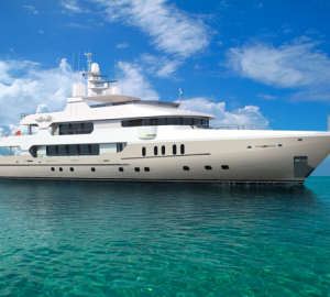 Christensen Shipyards signs three contracts at the 2012 FLIBS