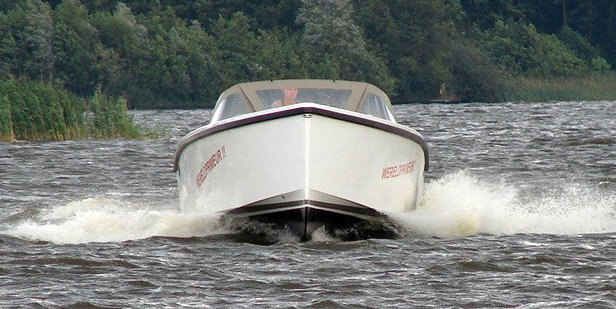 Smalland Tempo yacht tender running