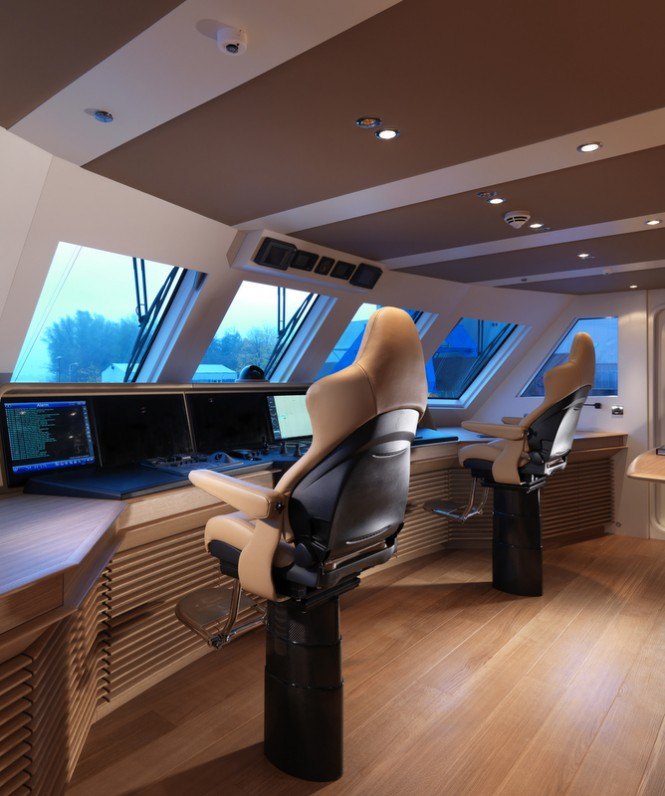 Moonen YN194 luxury yacht Sofia - Wheelhouse