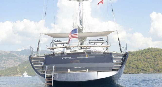 35m superyacht Music - aft view