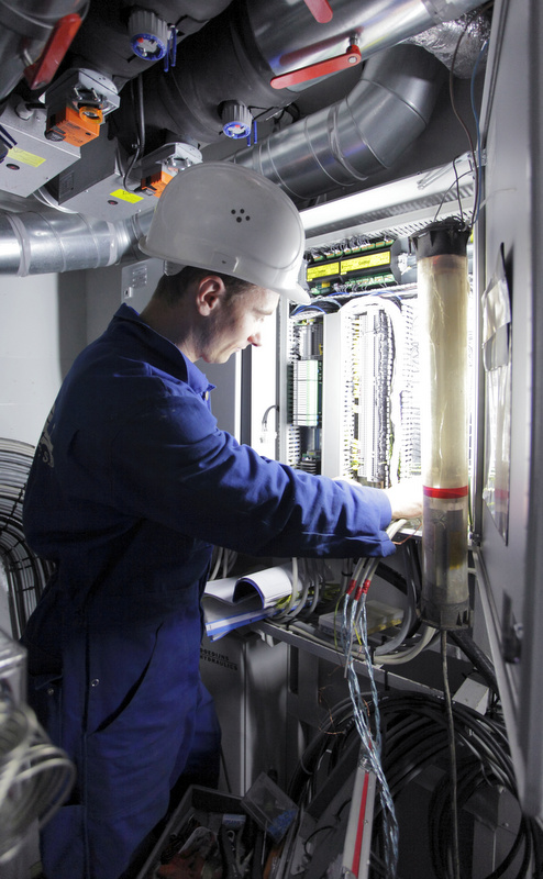 Alewijnse technician at work