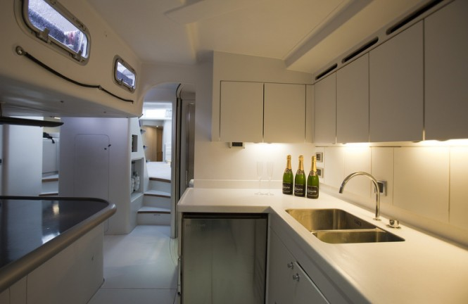 Luxury yacht ICAP Leopard 3 - Galley