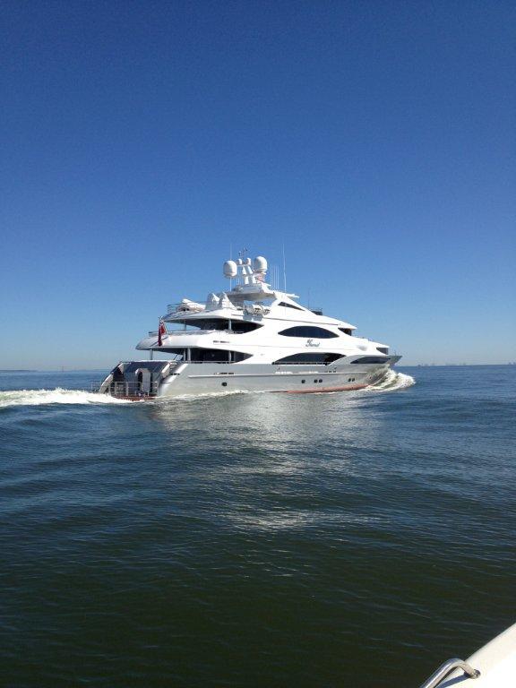 Superyacht Tsumat (T057) by Trinity Yachts