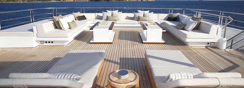72 M Mega Yacht Vicky Exterior