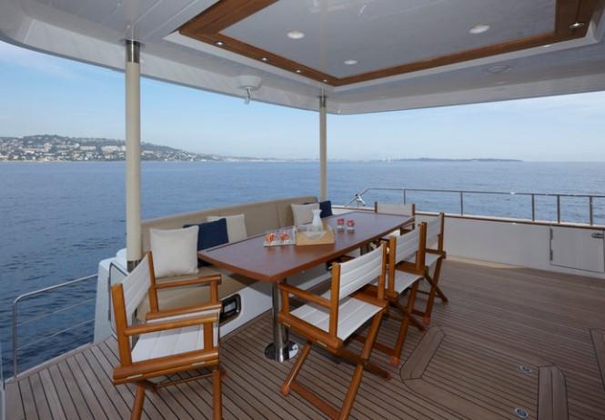 Aboard Greenline motor yacht OceanClass 70 Hybrid