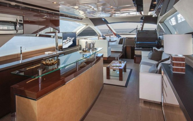 Alpha Express 76 Flybridge yacht - Salon
