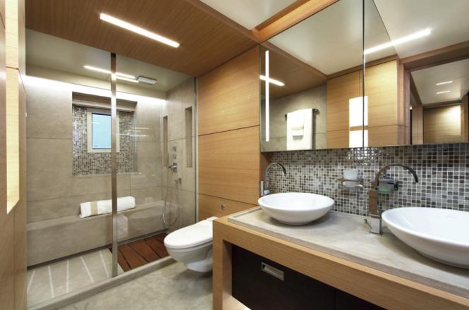 Benetti Classic Supreme 132 Yacht - Interior - Bathroom - Photo credit Thierry Ameller