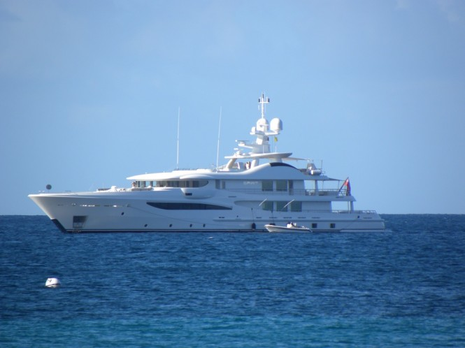 Beutiful luxury yacht SPIRIT near Nevis in the Caribbean - Photo by Scott Henderson