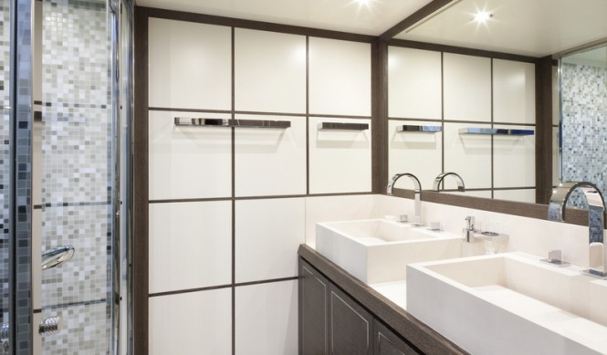 Cerri 102 Hull 2 Yacht - Bathroom