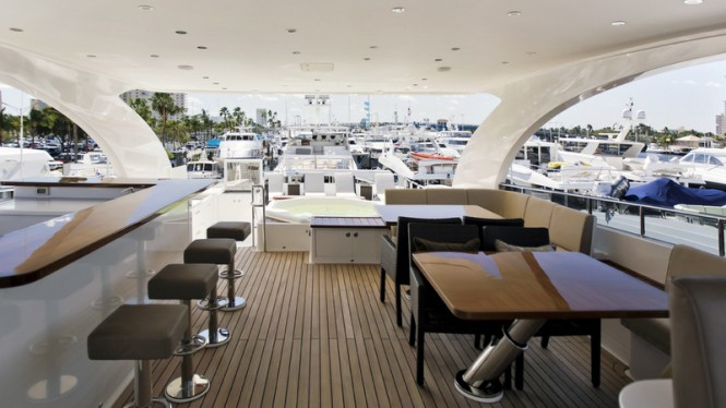 Gigi II Yacht - Sundeck