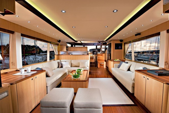 Greenline luxury yacht OceanClass 70 - Saloon