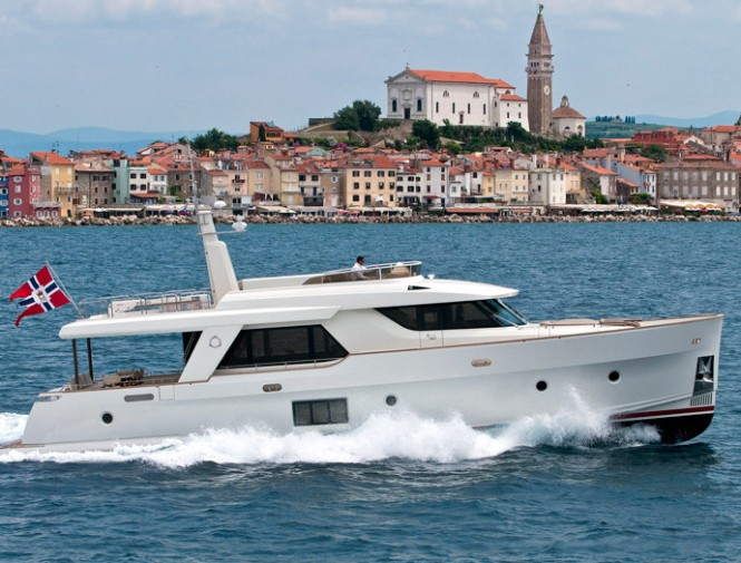 Latest Greenline motor yacht OceanClass 70 Hybrid
