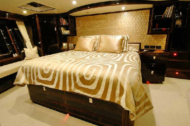Luxurious cabins aboard Tortuga yacht