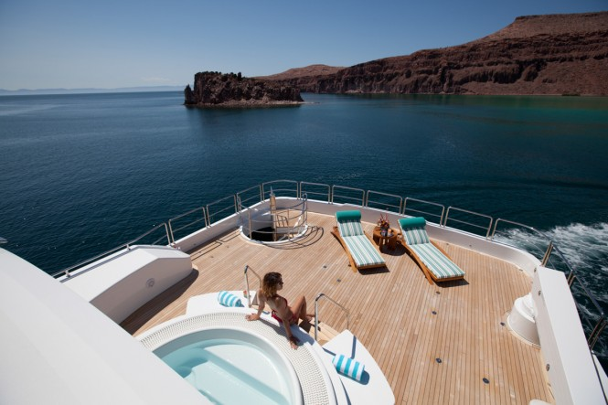 Luxury Charter Yacht ARIANNA - sundeck