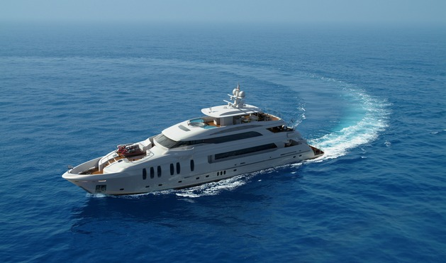 Luxury superyacht P136 by Horizon