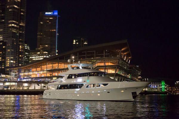 Yachts At Night Luxury yacht En...