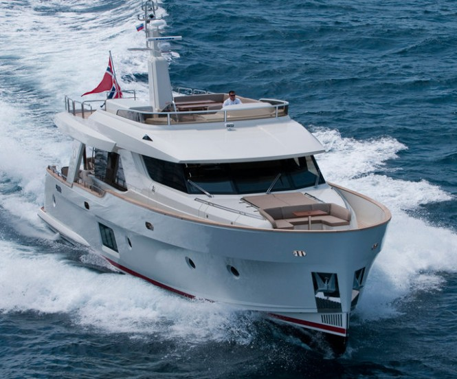 OceanClass 70 yacht - front view