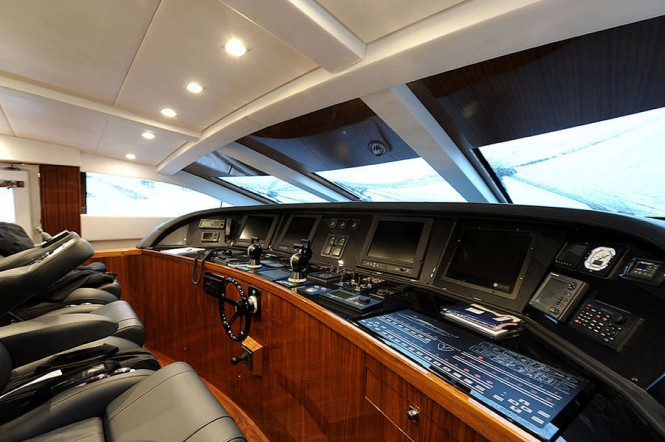 Phoenician yacht - Wheelhouse