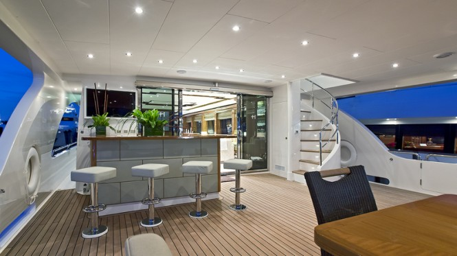 Superyacht Gigi II - Main Deck - Aft View
