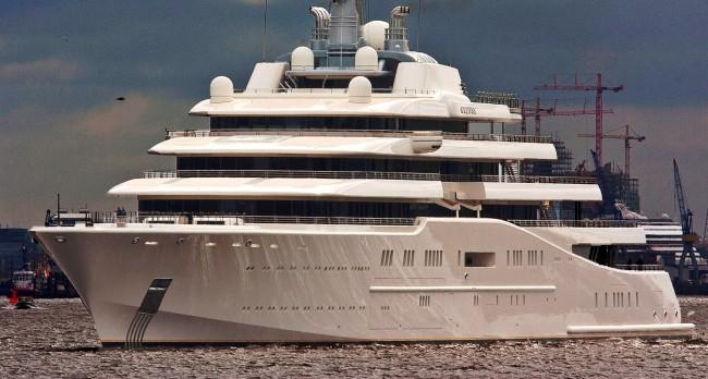 162 m Blohm and Voss mega yacht ECLIPSE - Photo image by ship and yacht photographer Klaus Kehrls