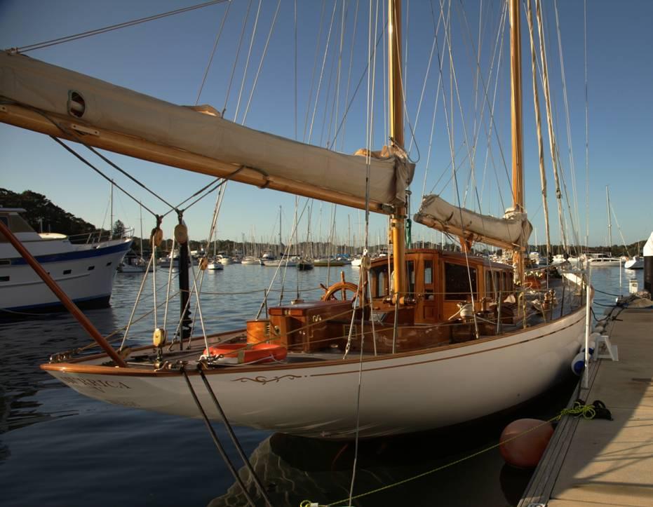1924 English Gentleman S Classic Sailing Yacht Hurrica V