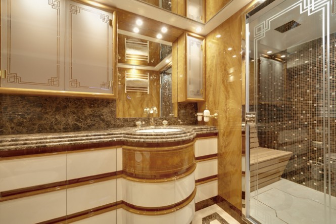 80 GLX superyacht - Bathroom