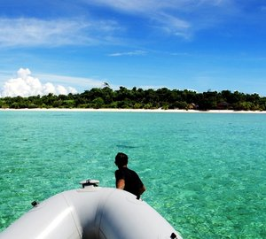 Live the fascinating Andaman Sea, Borneo and Palawan yacht charter aboard traditional schooner 'RAJA LAUT Yacht'
